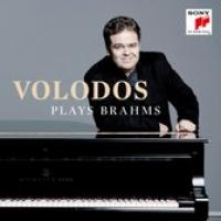 Plays Brahms